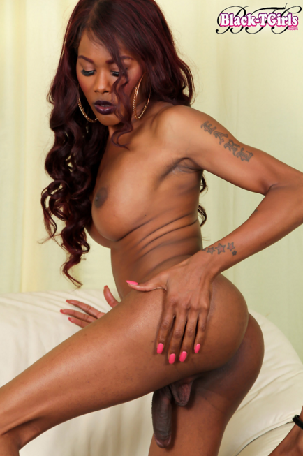Black-Tgirls_Beautiful_Coco_has_a_smoking_hot_body.png
