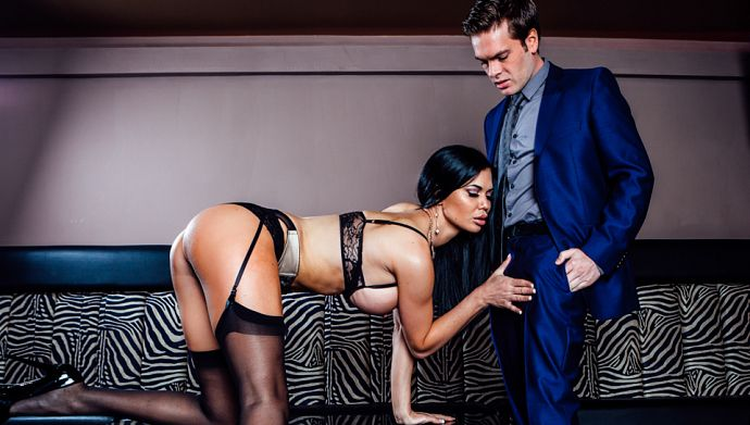 DaringSex_-_Jasmine_Jae,_Ryan_Ryder_-_The_Girlfriend_Experience_-_Scene_3_B.jpg