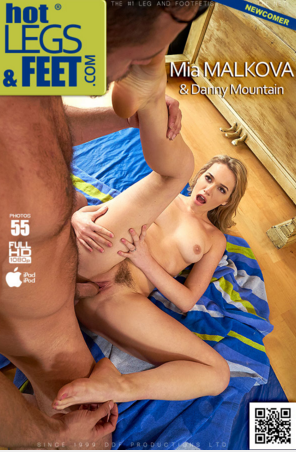 HotLegsAndFeet_-_DDFNetwork_-_Mia_Malkova_-_Sensual_Yoga_-_Flexible_Blonde_Gets_Deep_Pussy_Penetration.png