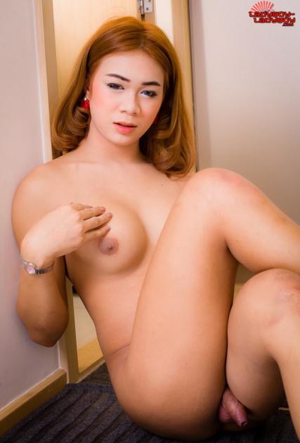 Ladyboy-Ladyboy.com_Gorgeous_Femfem_has_a_sexy_body.png
