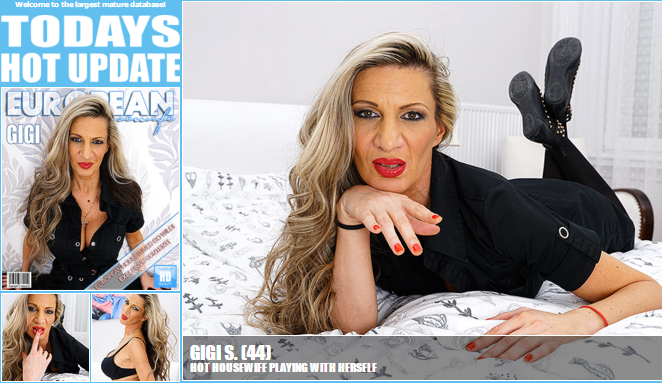Mature.nl_-_Gigi_S._(44)_-_Hot_Housewife_Playing_with_herself.png