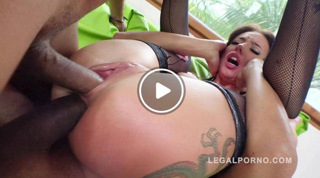 LegalPorno_-_Lola_Bulgari_interracial_double_penetration_RS208.png