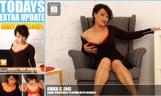 Mature.nl_-_Anica_C._(44)_-_Mat-EU-Alex154_-_Hairy_Housewife_Playing_with_Herself.png