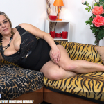 Mature.nl – Talisah (45) – Big Breasted Housewife Fingering Herself