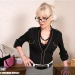 Mature.nl – Elaine (EU) (56) – Mat-EU-TUK062 – British Housewife Fingering Herself