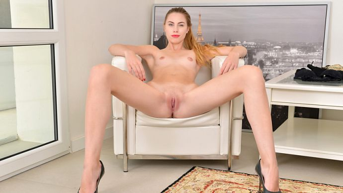 Milena_Devi_1v_blonde-shows-all_b.jpg