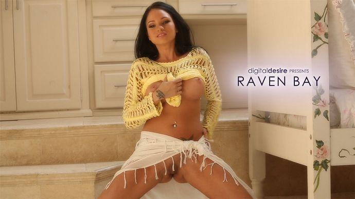 Raven_Bay_Hot_Brunete_Babe_b.jpg