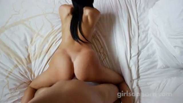 GirlsDoPorn_-_20_Years_Old_-_23.07.2016.mp4.00014.jpg